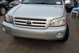 Toyota Highlander 2005 V6 4x4 Silver for sale