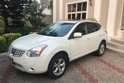 2010 Nissan Rogue Automatic Petrol well maintained for sale