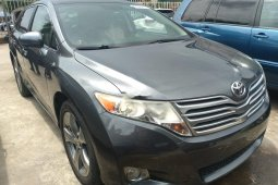 Sell used 2011 Toyota Venza automatic at mileage 66,000 in Lagos
