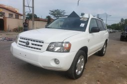 Well maintained white 2005 Toyota Highlander at mileage 0 for sale