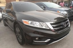 Best priced brown 2013 Honda Accord CrossTour automatic in Lagos
