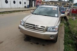 Selling 2005 Toyota Highlander in good condition at price ₦2,850,000 in Lagos