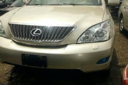 Need to sell high quality 2006 Lexus RX at price ₦4,300,000 in Lagos