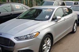 Well maintained grey/silver 2015 Ford Model automatic for sale at price ₦6,000,000