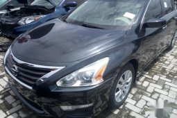 Best priced black 2013 Nissan Altima in Lagos