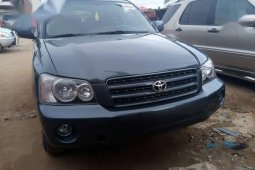 Sell used grey 2004 Toyota Highlander suv automatic at cheap price