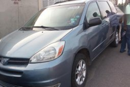 Sell high quality 2005 Toyota Sienna automatic at price ₦2,100,000 in Lagos