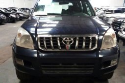 Well maintained 2005 Toyota Land Cruiser Prado automatic at mileage 132,581 for sale