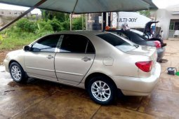 Clean Nigerian used Toyota Corolla LE 2005 Gold