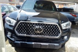 Well maintained 2018 Toyota Tacoma pickup / truck for sale at price ₦16,000,000