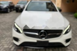 Sell well kept white 2017 Mercedes-Benz GLC suv / crossover automatic