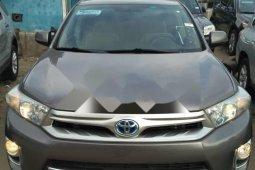 Best priced grey/silver 2012 Toyota Highlander at mileage 35,000 in Lagos