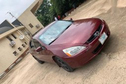 Neat Nigerian used Honda Accord 2005 Automatic Red