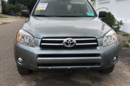 Super Clean Foreign used Toyota RAV4 2007 4x4 Green