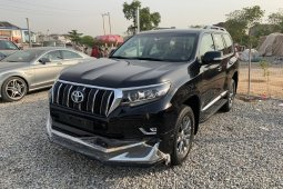 Sell 2018 Toyota Land Cruiser Prado suv / crossover automatic at price ₦35,000,000 in Lagos