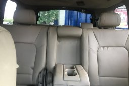 Neat Foreign used 2010 Honda Pilot