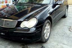 Neat Nigerian used 2002 Mercedes-Benz C240 for sale in Lagos
