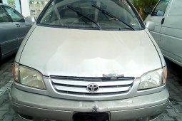 Nigerian Used Toyota Sienna 2001