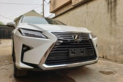 Neat Foreign used Lexus RX 2018