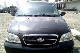 Neat Nigerian used 2005 Kia Sedona