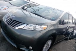 Neat Foreign used 2011 Toyota Sienna