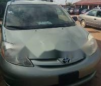 Foreign Used Toyota Sienna 2006 Model Green