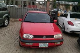 Neat Nigerian used Volkswagen Golf 2000