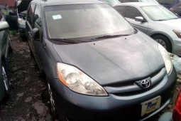 Foreign Used 2006 Toyota Sienna for sale in Lagos