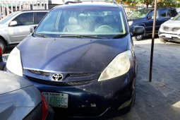 Nigerian Used Toyota Sienna 2005 Automatic