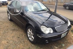 Neat Foreign used Mercedes-Benz C230 2005 Black