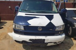Nigerian Used Volkswagen Caravelle 1999 Blue