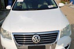 Tokunbo Volkswagen Passat 2.0 2006 Model White