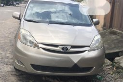 Foreign Used Toyota Sienna 2008 XLE Gold