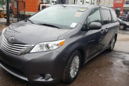 Foreign Used Toyota Sienna 2011 Model Grey