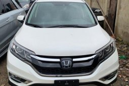 Tokunbo Honda CR-V 2015 Model White
