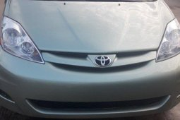 Foreign Used Toyota Sienna 2009 Model Green