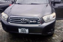 Clean Foreign used Toyota Highlander 2009