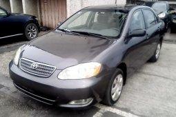 Neat Nigerian used Toyota Corolla 2004