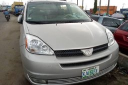 Very Clean Nigerian used Toyota Sienna 2004