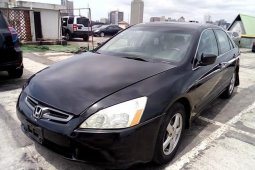 Clean Nigerian used 2004 Honda Accord