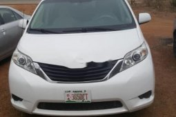 Super Clean Foreign used Toyota Sienna 2011
