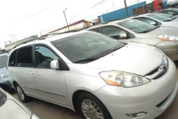 Neat Foreign used 2008 Toyota Sienna