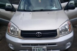Foreign Used Toyota RAV4 2005 2.0 4x4 Gold