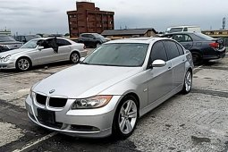 Affordable & well maintained Nigerian used 2006 BMW 325i