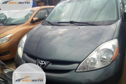 Foreign Used Toyota Sienna 2006 Model Grey