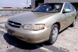 Neat Nigerian used Nissan Altima 1998