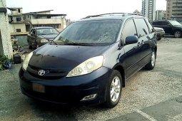 Very Clean Nigerian used Toyota Sienna 2006