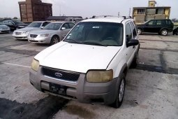 Super Clean Nigerian used 2001 Ford Escape