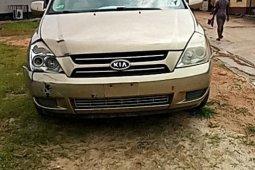 Nigeria Used Kia Sedona 2007 Model Gold