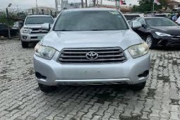 Super Clean Foreign used Toyota Highlander 2009